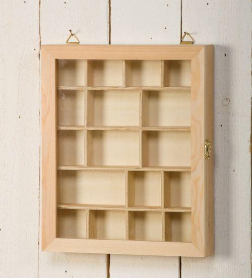 ARTEMIO DISPLAY BOX - Дървена кутия етажерка със стъкло 23 х 28 х 4 см