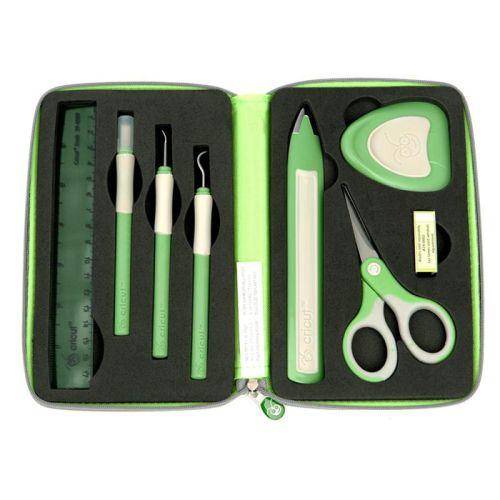 CRICUT TOOL KIT - Специален комплект инструменти за  крафтърски плотер